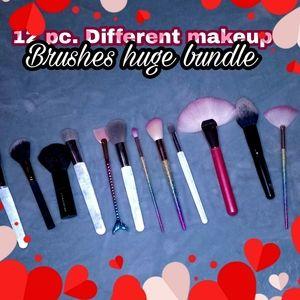 Makeup brushes 💞💖